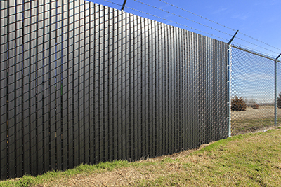 Seeking Privacy For Your New Backyard Pool Or Company Parking Lot Preslatted Chain Link Fences Are Best Bet With Slats Threaded Through The Fencing